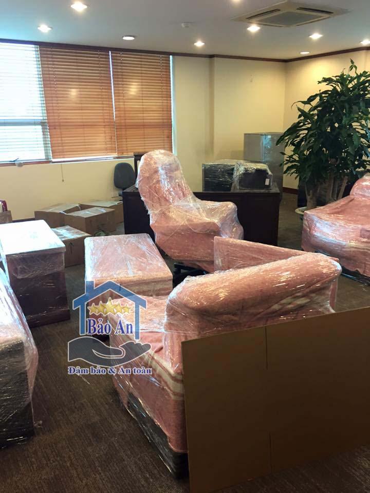 hướng dẫn bọc lót đóng gói bàn ghế giám đốc khi chuyển văn phòng